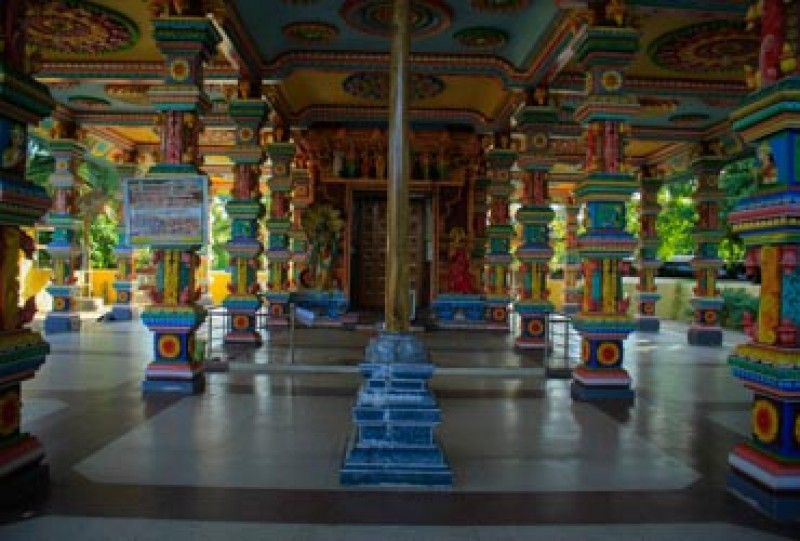 Paandiruppu Thiraupathi Amman Kovil | Gateway to East